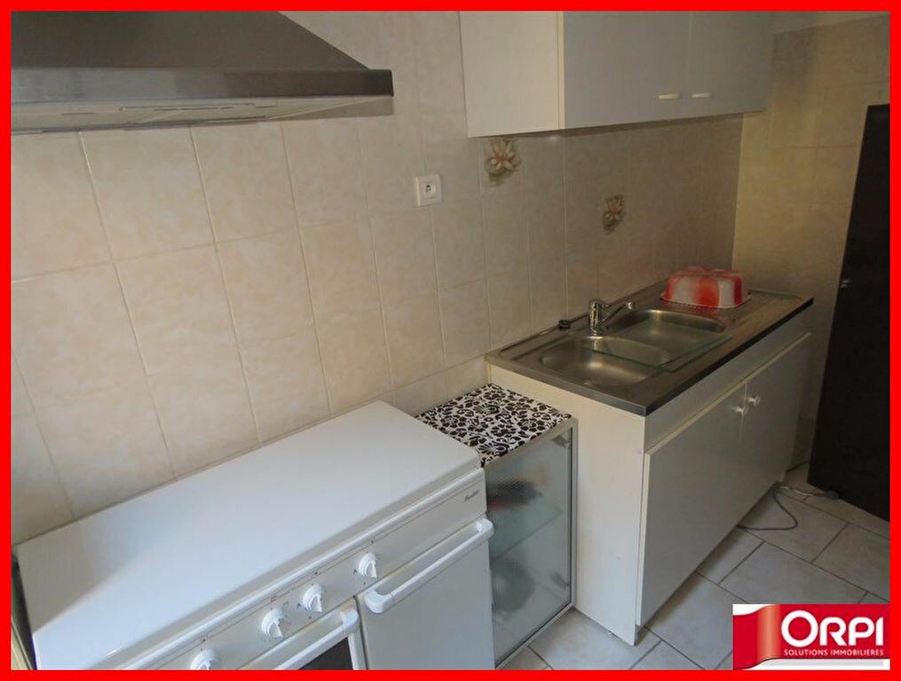 Appartement à louer 1 33m2 à Riez vignette-3