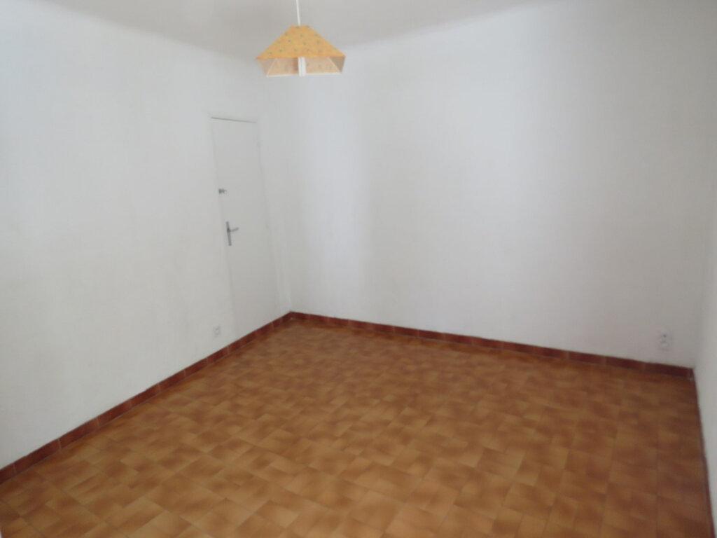 Appartement à louer 3 51m2 à Riez vignette-3