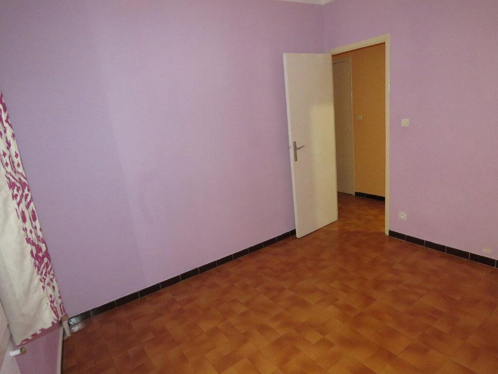 Appartement à louer 3 51m2 à Riez vignette-4