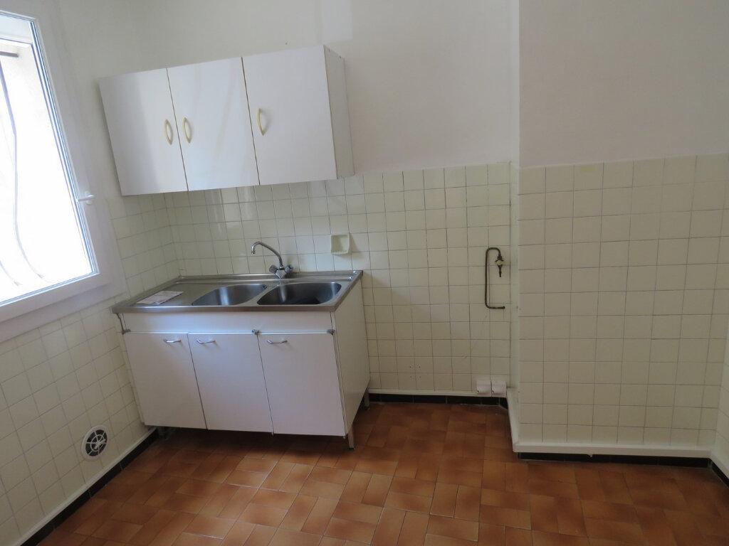 Appartement à louer 3 51m2 à Riez vignette-6