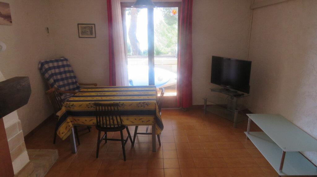 Appartement à vendre 3 61m2 à Sainte-Croix-du-Verdon vignette-3