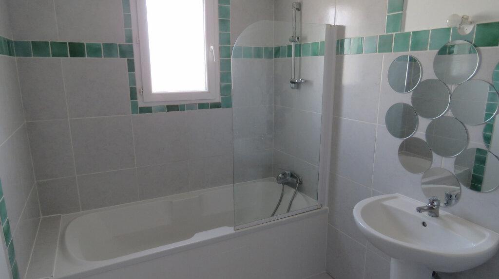 Appartement à louer 4 92m2 à Puimoisson vignette-4