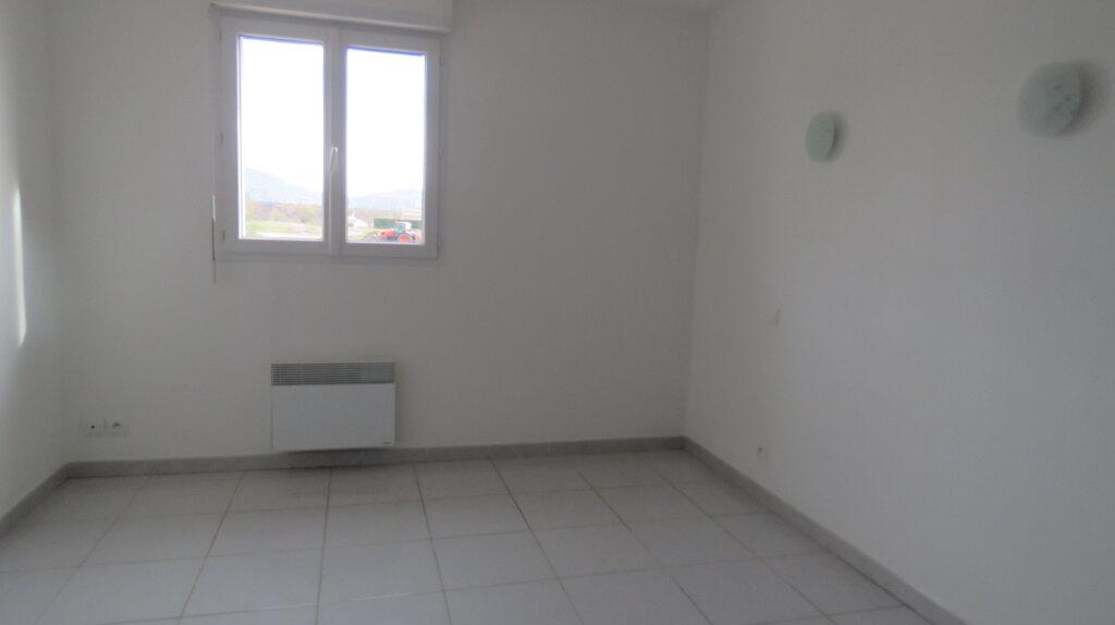 Appartement à louer 4 92m2 à Puimoisson vignette-5