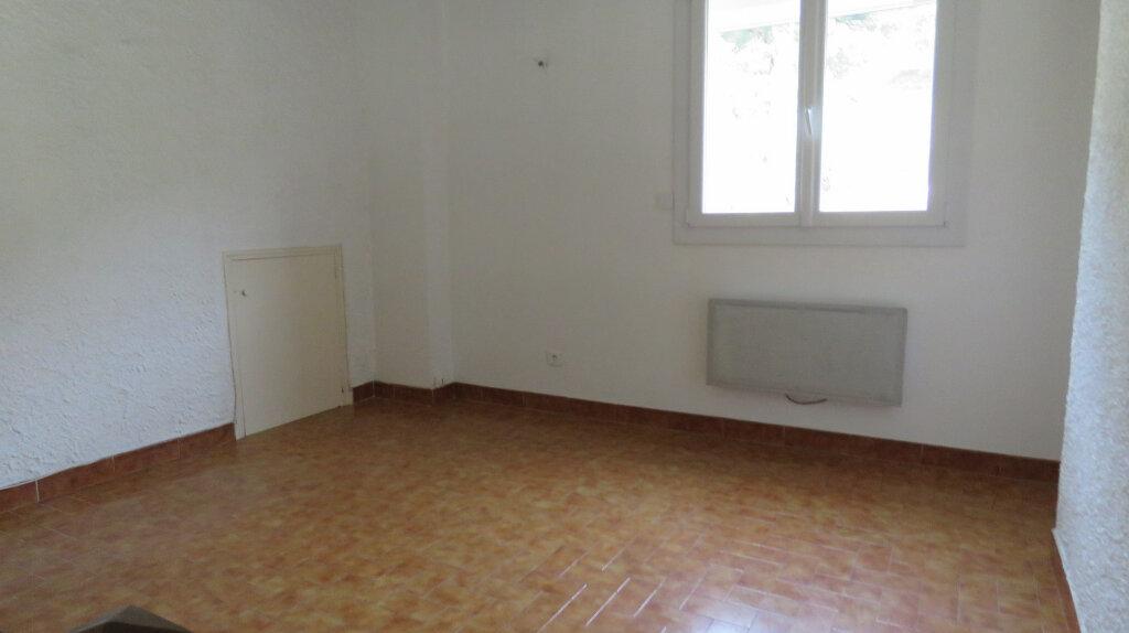 Appartement à louer 3 65m2 à Riez vignette-5