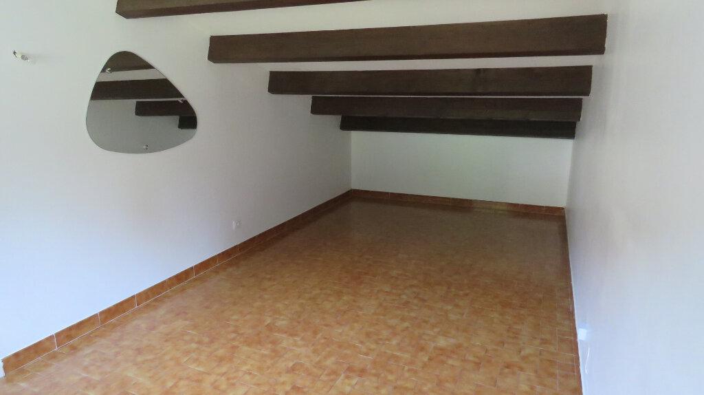 Appartement à louer 3 65m2 à Riez vignette-7