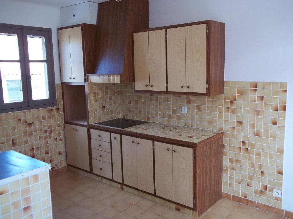 Appartement à louer 3 50m2 à Riez vignette-3
