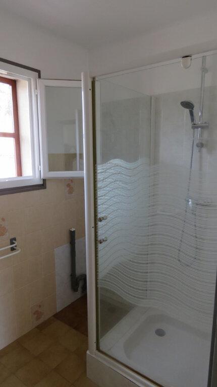 Appartement à louer 3 50m2 à Riez vignette-6