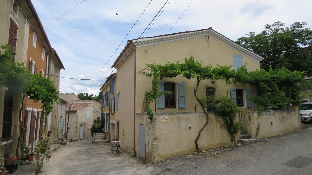 Maison à louer 4 91m2 à Allemagne-en-Provence vignette-1