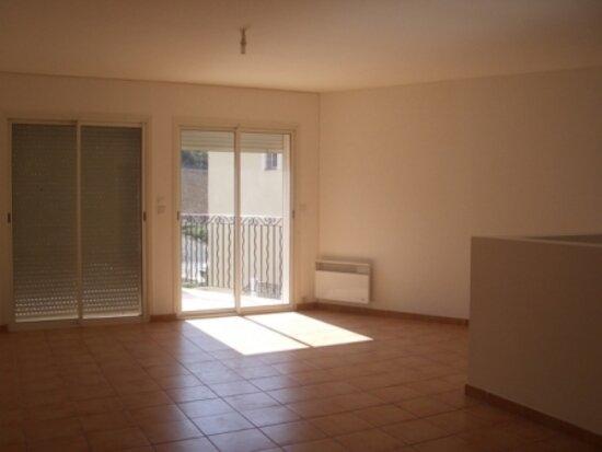 Appartement à louer 4 90m2 à Riez vignette-1