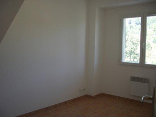 Appartement à louer 4 90m2 à Riez vignette-3