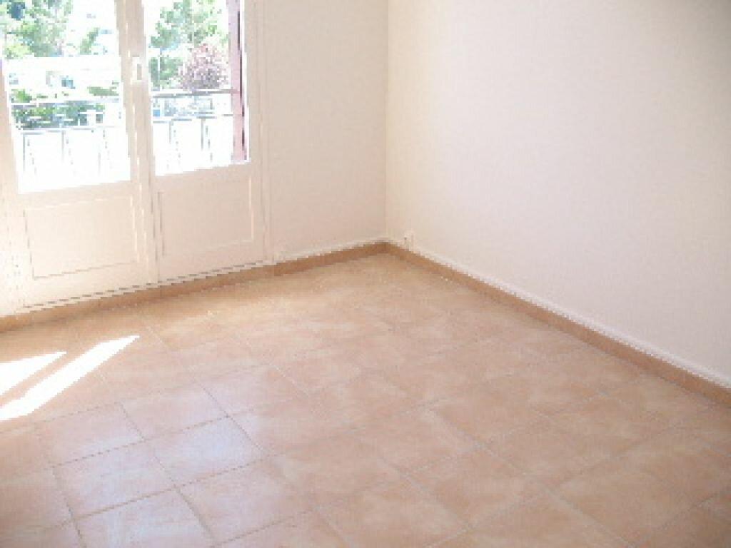 Appartement à louer 4 75m2 à Sisteron vignette-2