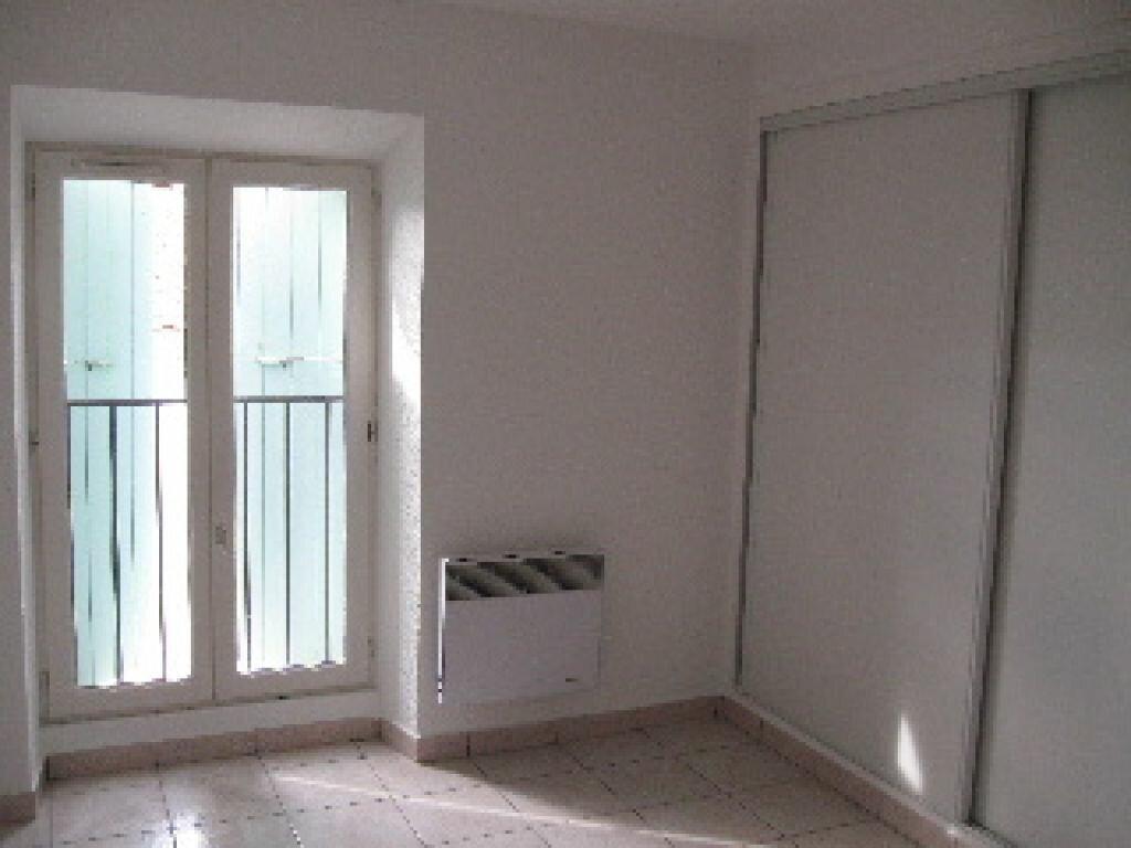 Appartement à louer 3 59m2 à Sisteron vignette-2