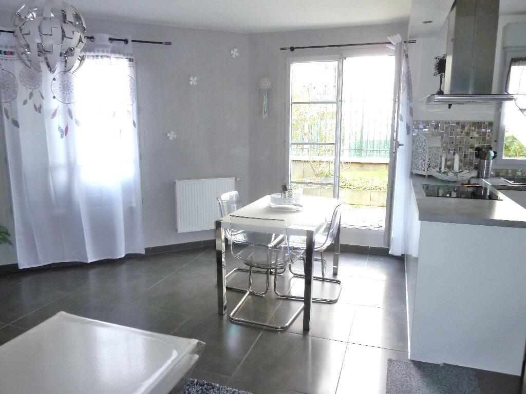 Appartement à vendre 3 63.1m2 à Vaujours vignette-2