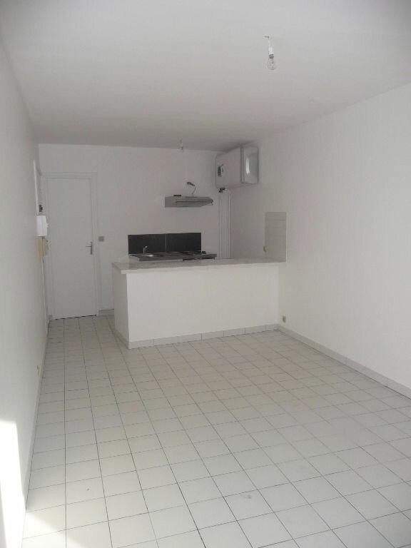Appartement à louer 1 24m2 à Vaujours vignette-1