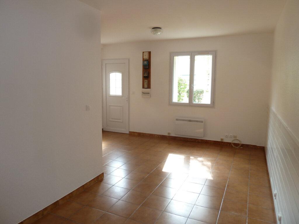 Appartement à louer 1 26.93m2 à Villeparisis vignette-1