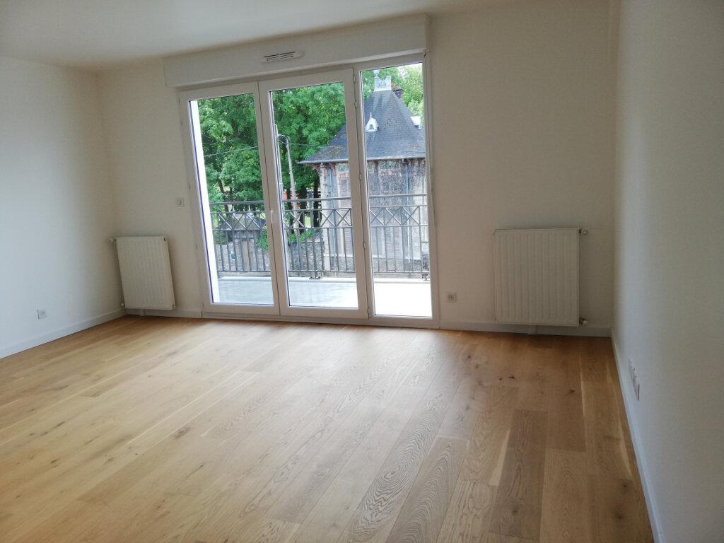 Appartement à louer 4 70.24m2 à Lagny-sur-Marne vignette-3