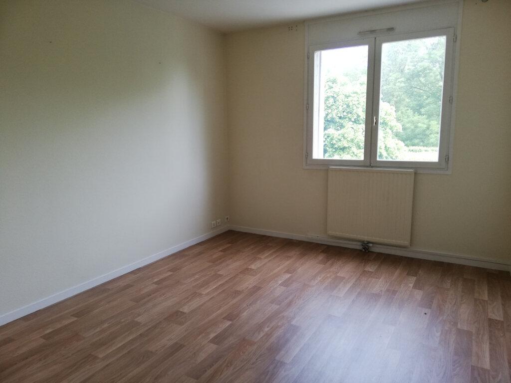 Appartement à louer 4 87.5m2 à Noisiel vignette-3