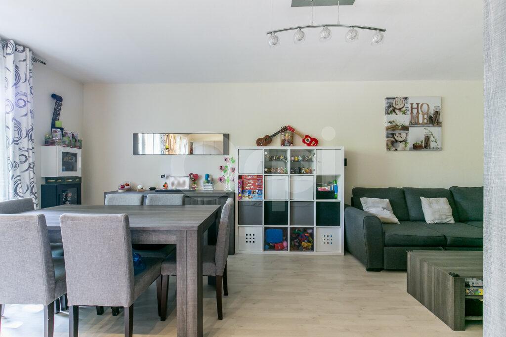 Appartement à vendre 3 71.46m2 à Lagny-sur-Marne vignette-2