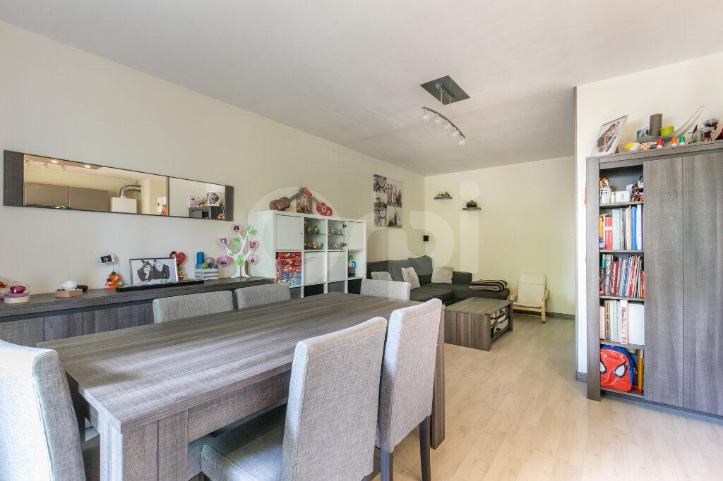 Appartement à vendre 3 71.46m2 à Lagny-sur-Marne vignette-3