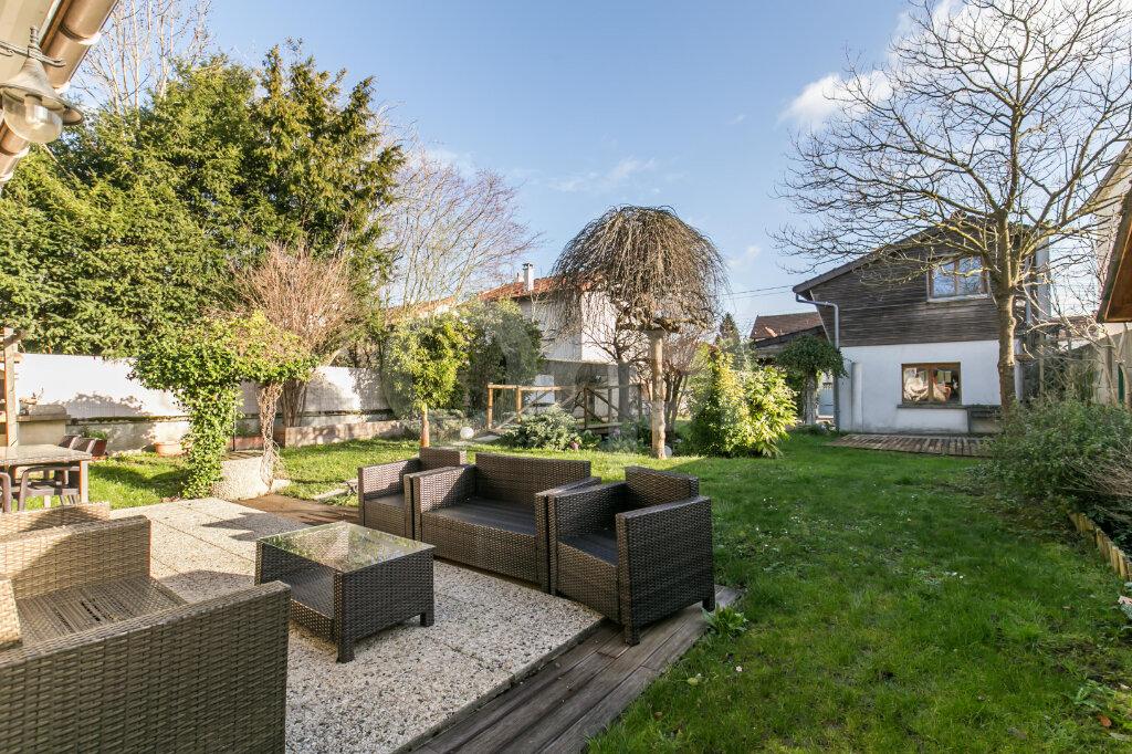 Maison à vendre 6 113.33m2 à Gournay-sur-Marne vignette-1