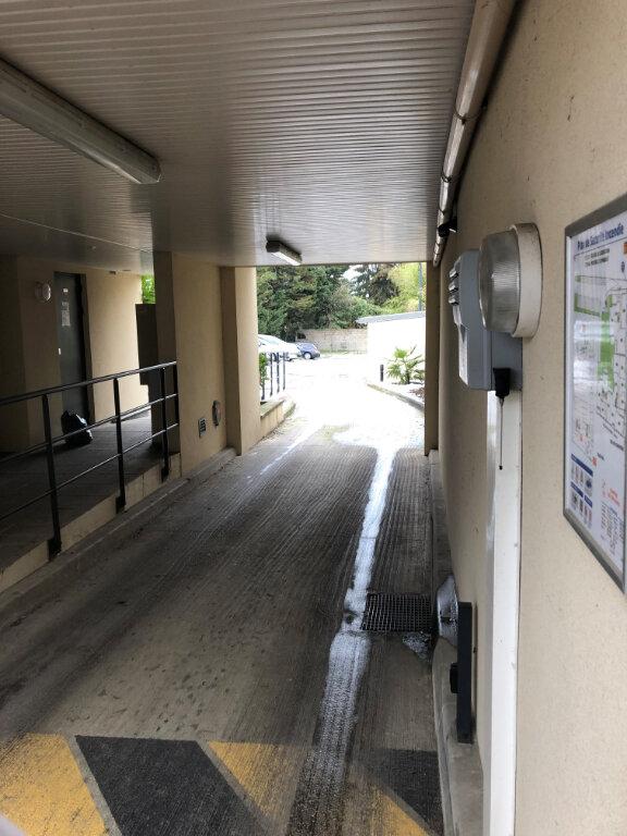 Stationnement à louer 0 0m2 à Pontault-Combault vignette-1