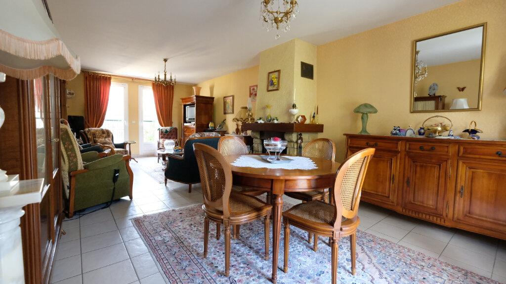 Maison à vendre 6 101m2 à Joinville-le-Pont vignette-3