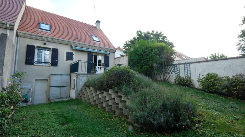 Maison à vendre 6 101m2 à Joinville-le-Pont vignette-9