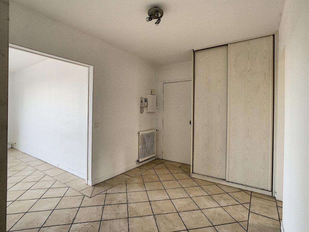 Appartement à louer 3 85m2 à Joinville-le-Pont vignette-2