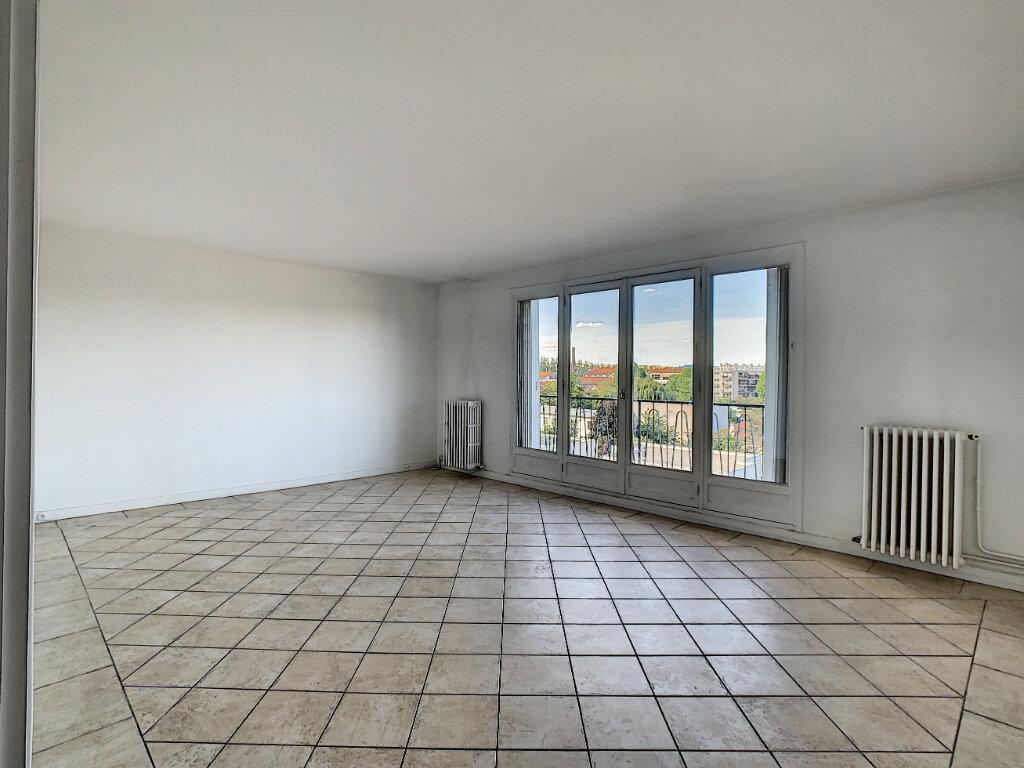 Appartement à louer 3 85m2 à Joinville-le-Pont vignette-4