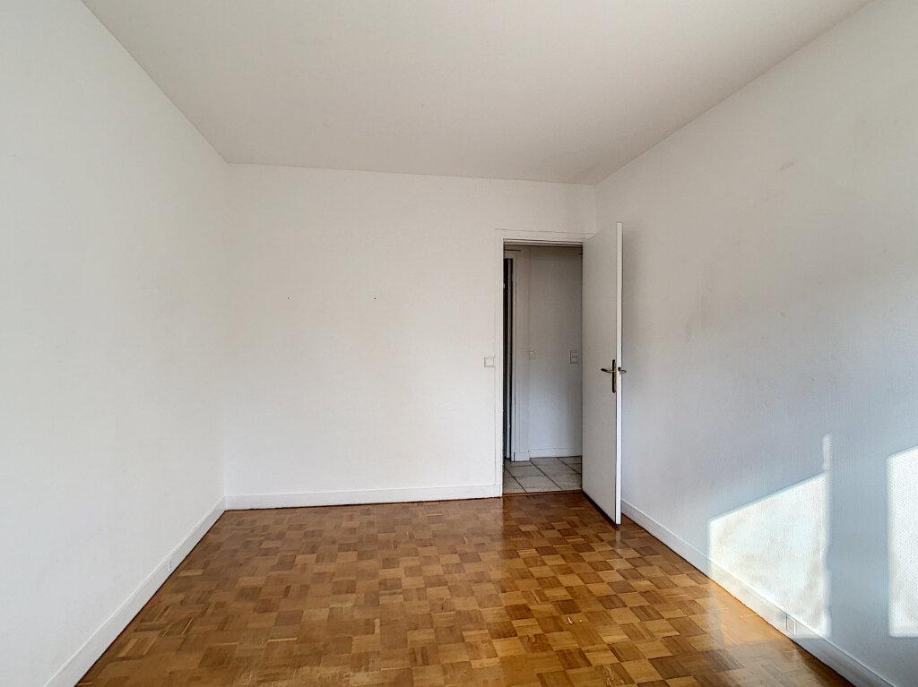 Appartement à louer 3 85m2 à Joinville-le-Pont vignette-8
