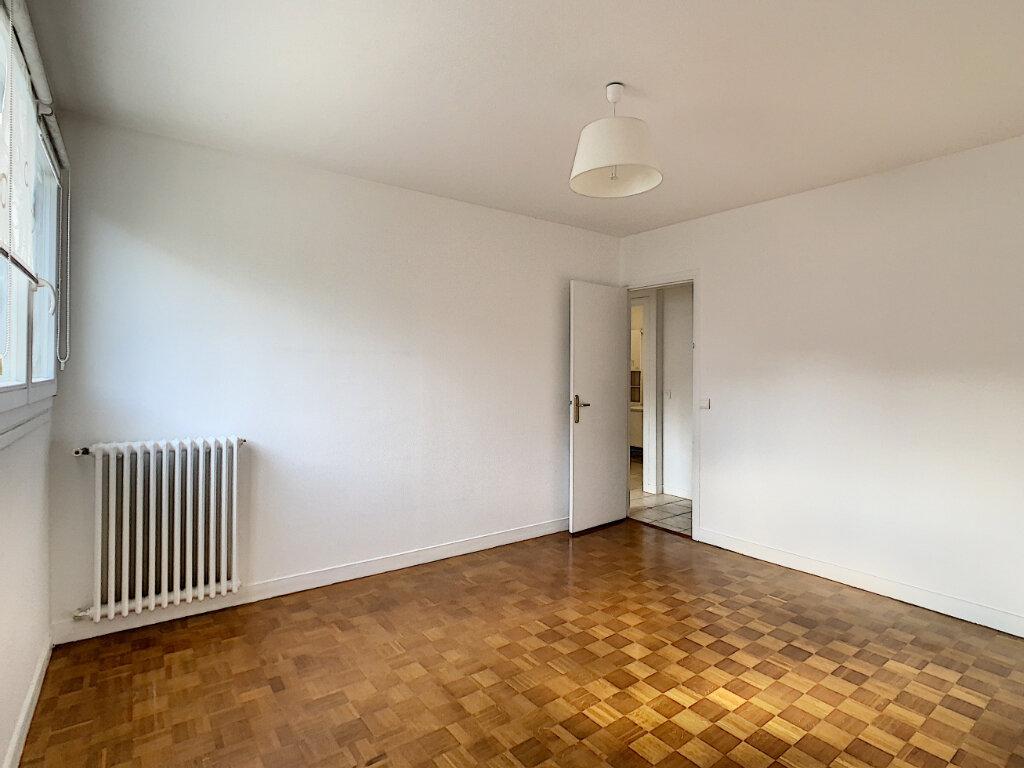 Appartement à louer 3 85m2 à Joinville-le-Pont vignette-10