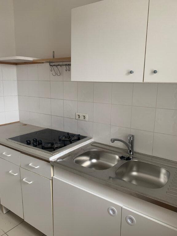 Appartement à louer 3 65m2 à Sucy-en-Brie vignette-3