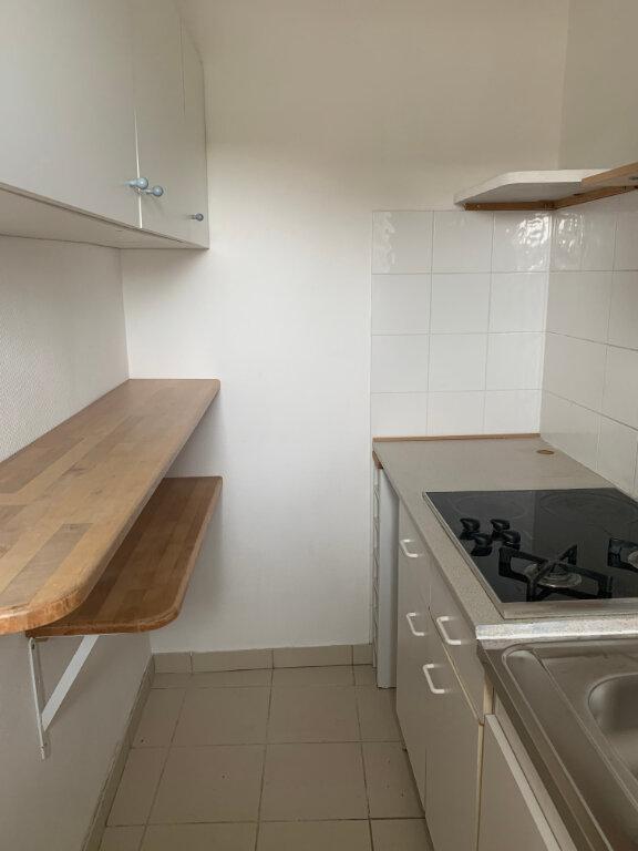Appartement à louer 3 65m2 à Sucy-en-Brie vignette-4