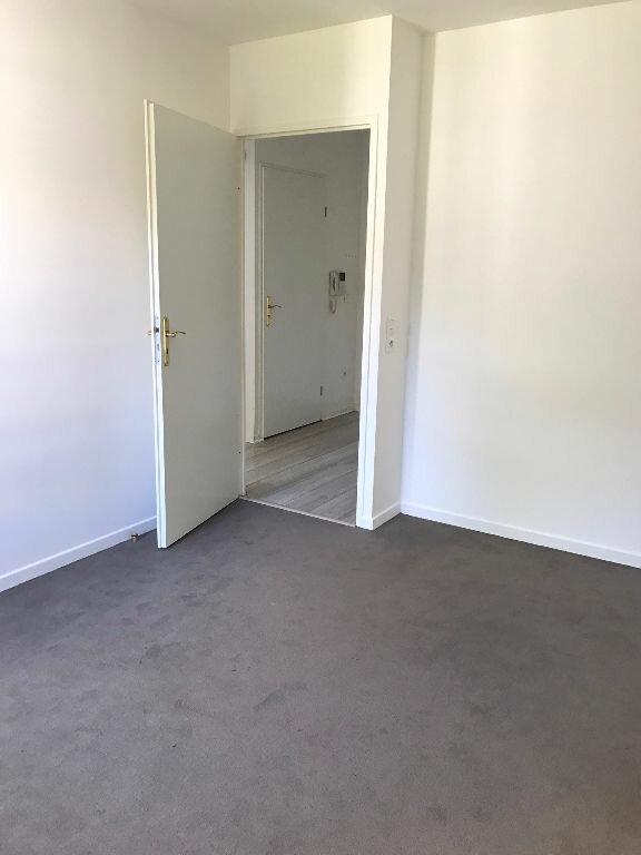 Appartement à louer 3 58.3m2 à Sucy-en-Brie vignette-6