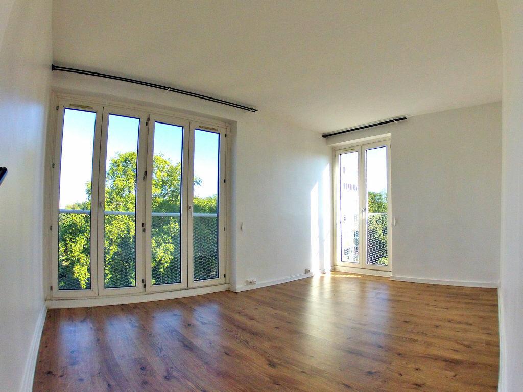 Appartement à louer 3 58m2 à Sucy-en-Brie vignette-1