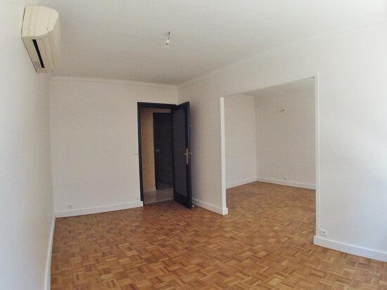 Appartement à louer 5 110m2 à Sucy-en-Brie vignette-4