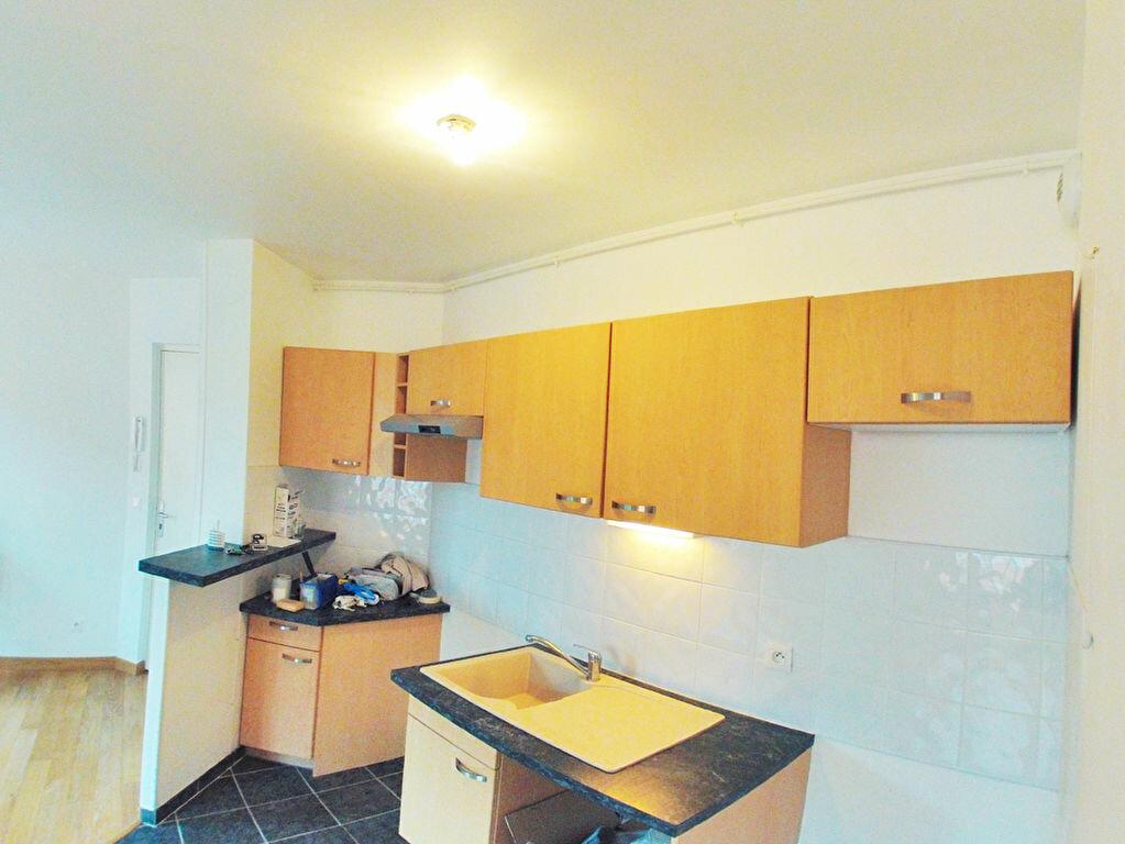 Appartement à louer 2 36m2 à Boissy-Saint-Léger vignette-2