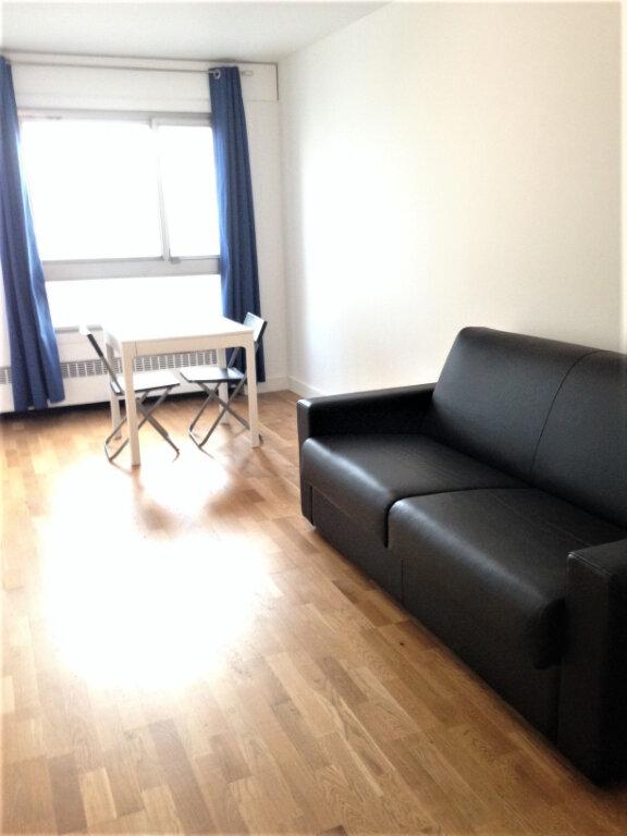 Appartement à louer 1 31m2 à Paris 13 vignette-2
