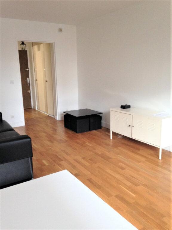 Appartement à louer 1 31m2 à Paris 13 vignette-5