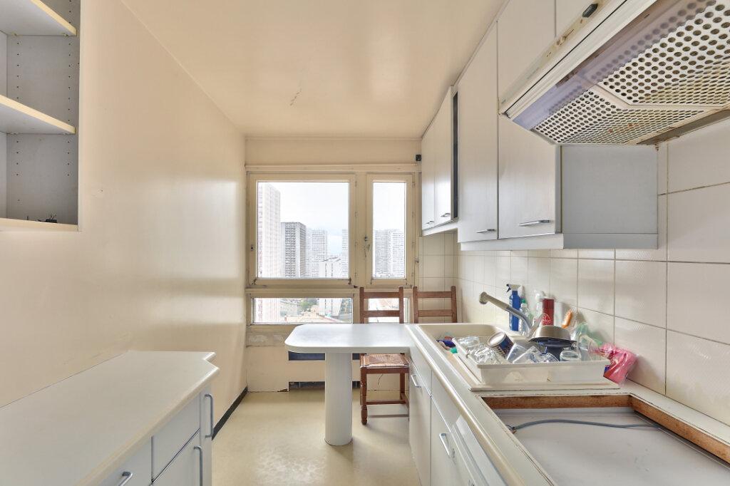 Appartement à vendre 4 104m2 à Paris 13 vignette-3