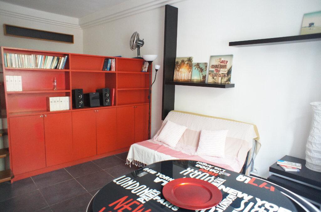 Appartement à louer 1 30m2 à Paris 6 vignette-1