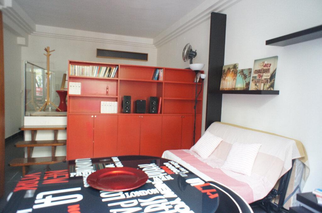 Appartement à louer 1 30m2 à Paris 6 vignette-3