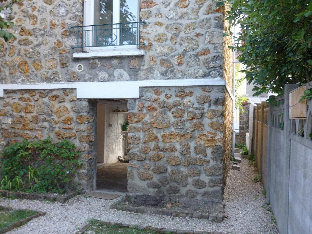 Maison à louer 3 50.49m2 à L'Haÿ-les-Roses vignette-4
