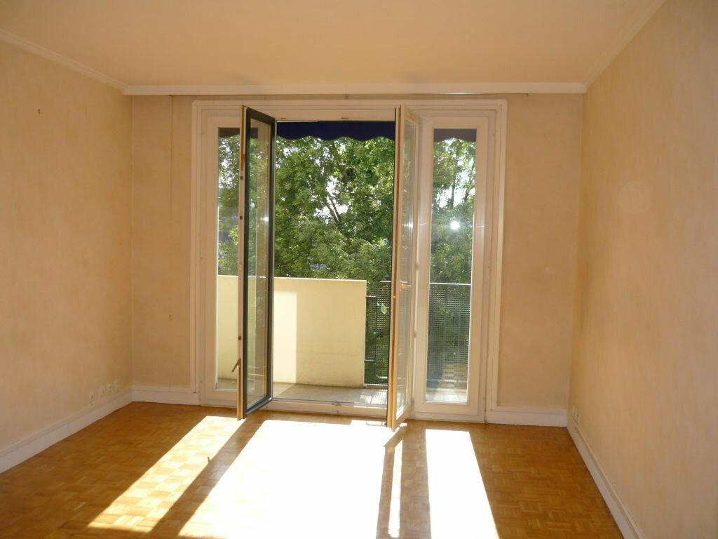 Appartement à louer 3 53.93m2 à L'Haÿ-les-Roses vignette-2