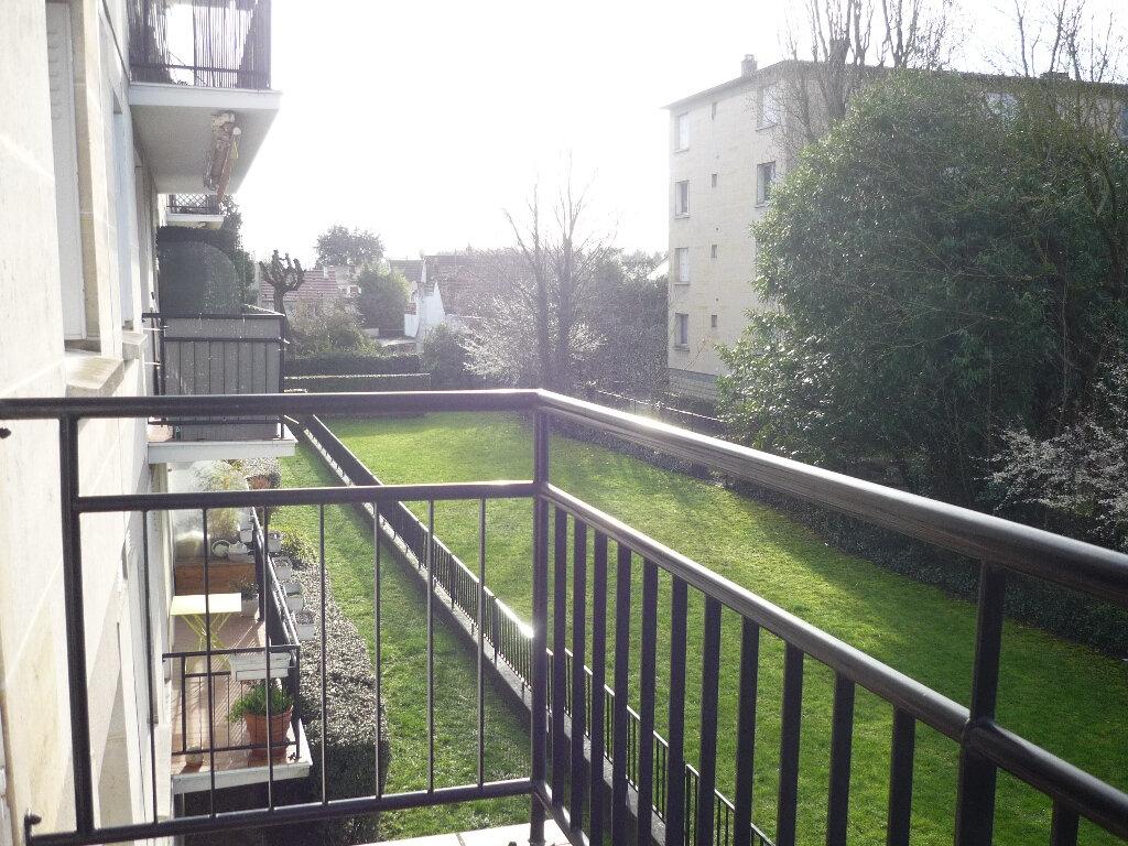 Appartement à louer 3 60.22m2 à L'Haÿ-les-Roses vignette-3