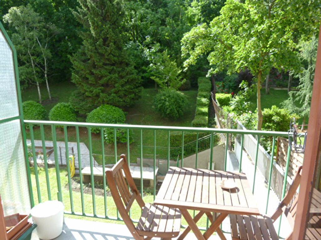 Appartement à louer 2 48.84m2 à Issy-les-Moulineaux vignette-1