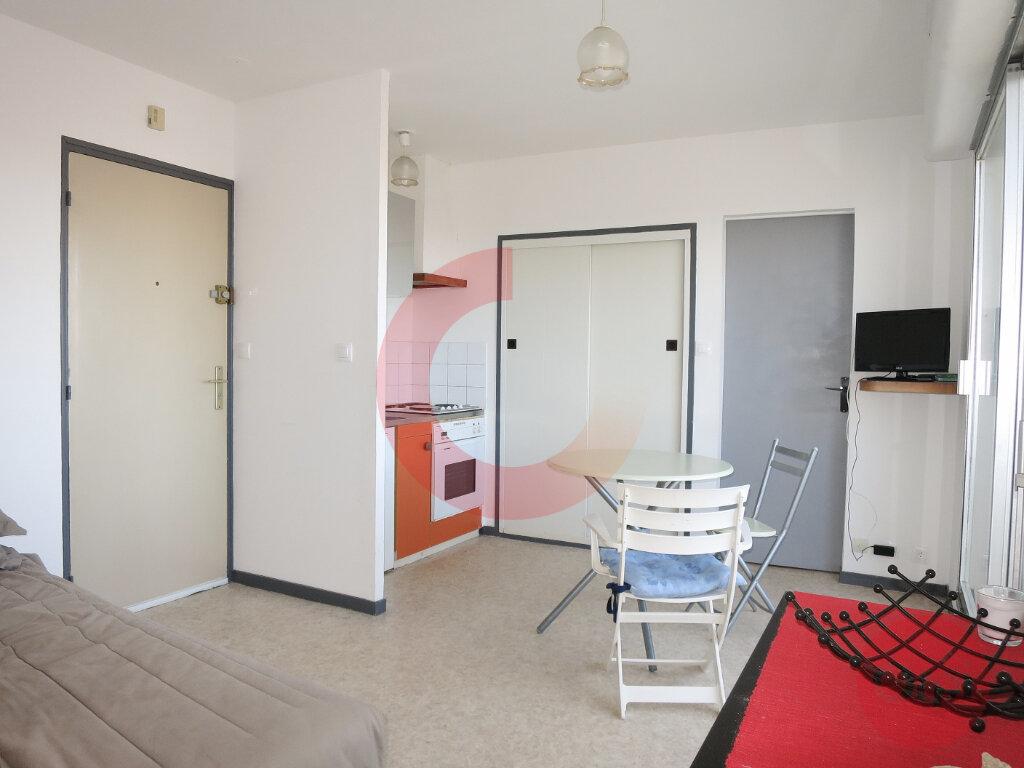 Appartement à vendre 2 28.99m2 à Saint-Jean-de-Monts vignette-4