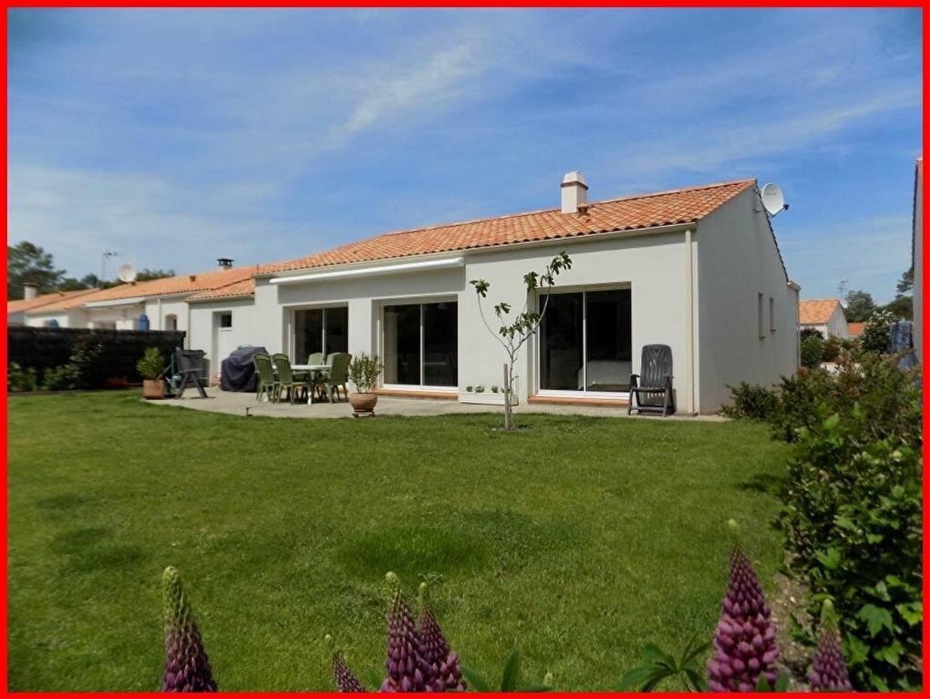 Maison à vendre 4 104m2 à Saint-Jean-de-Monts vignette-1
