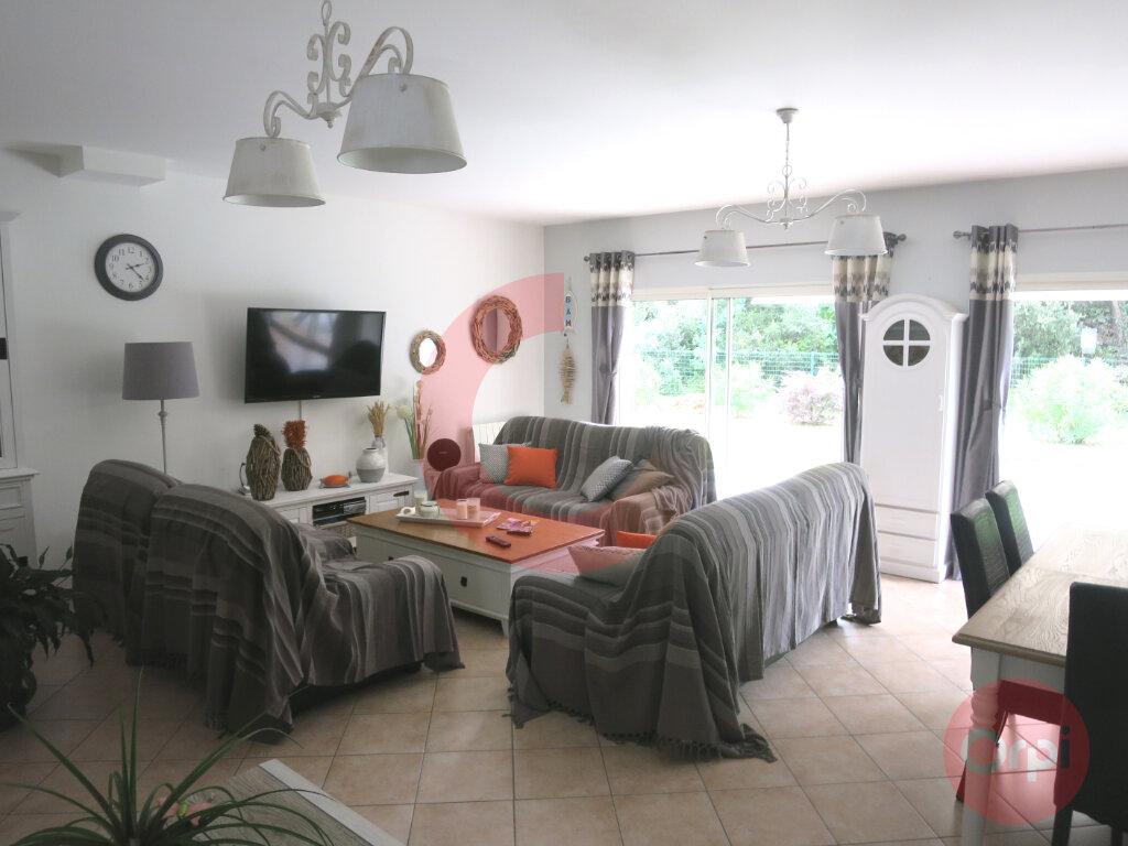 Maison à vendre 4 104m2 à Saint-Jean-de-Monts vignette-5