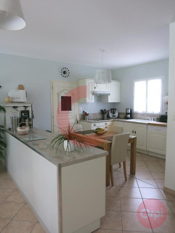 Maison à vendre 4 104m2 à Saint-Jean-de-Monts vignette-6